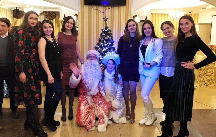 Отзыв об аренде костюма деда мороза и снегурочки от arenda-kostyumov.ru